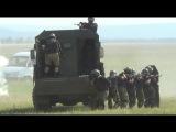 Сотрудники иркутского ОМОНа провели показательные выступления на военном аэродроме в Усольском районе